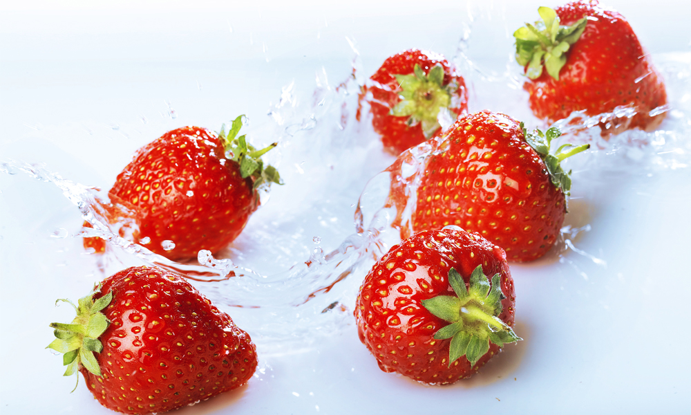 30. Fun family recipe for strawberry leather